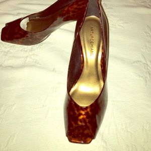 Arturo Chiang Driane Patent Leather Heels New